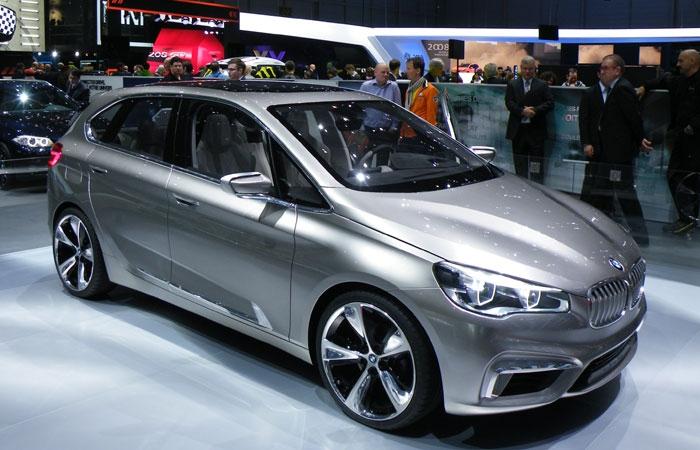 Familienauto-Autosalon-9-BMW i1